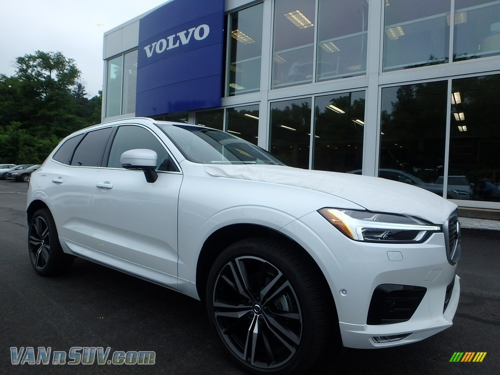 2018 XC60 T5 AWD R Design - Crystal White Metallic / Charcoal photo #1