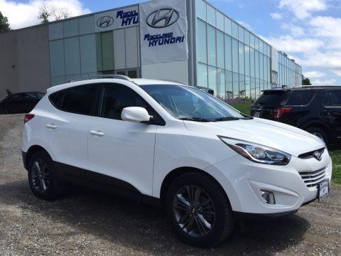 Winter White 2015 Hyundai Tucson SE AWD
