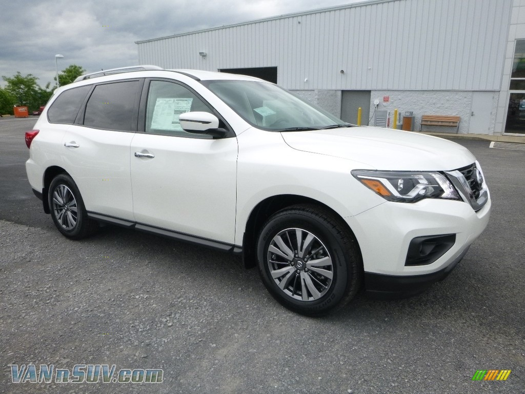 2018 Pathfinder SV 4x4 - Pearl White / Charcoal photo #1