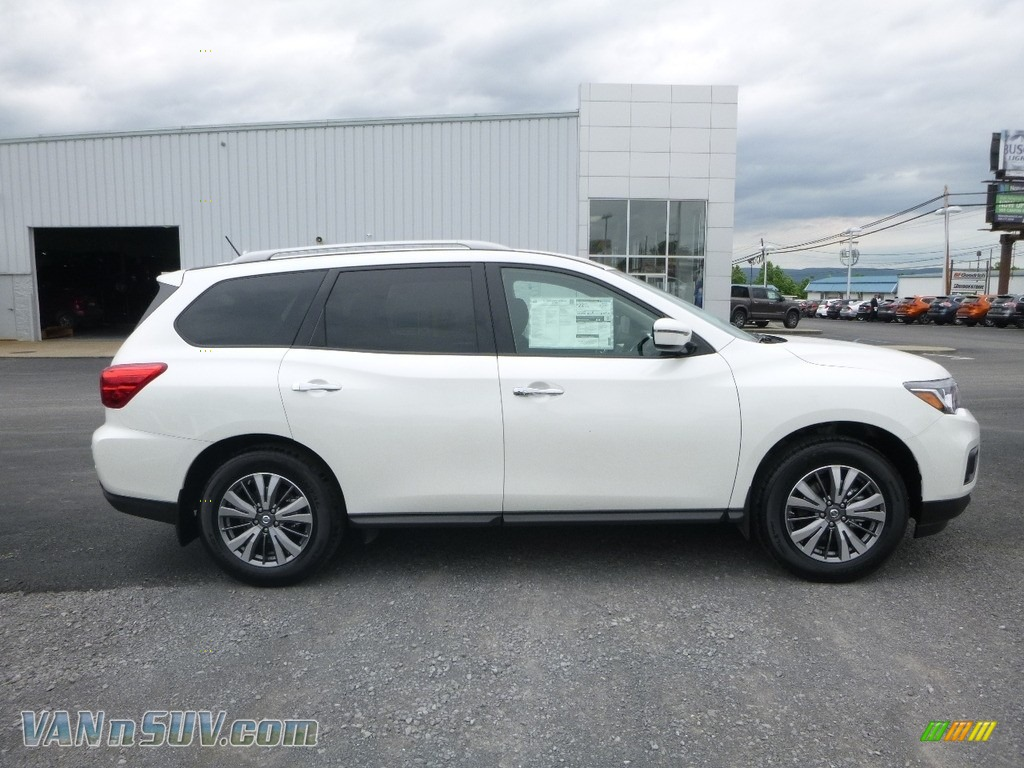 2018 Pathfinder SV 4x4 - Pearl White / Charcoal photo #3