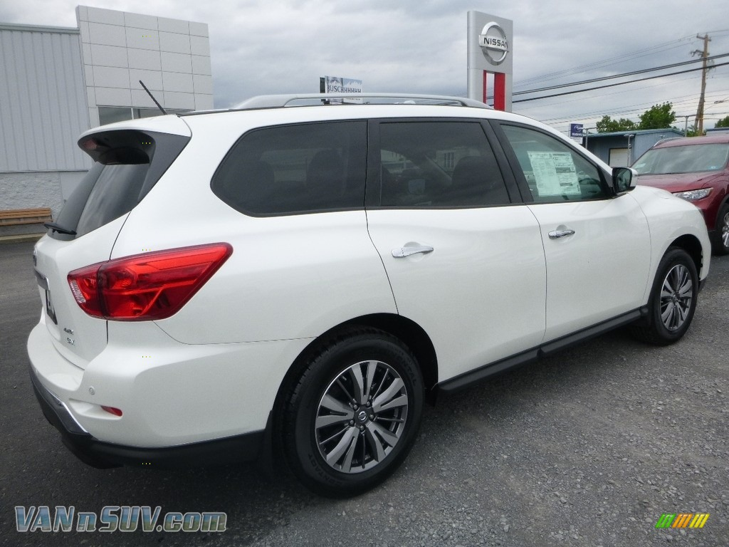 2018 Pathfinder SV 4x4 - Pearl White / Charcoal photo #4