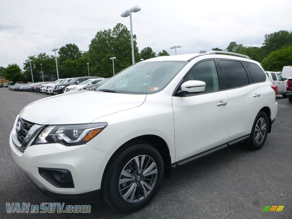 2018 Pathfinder SV 4x4 - Pearl White / Charcoal photo #8