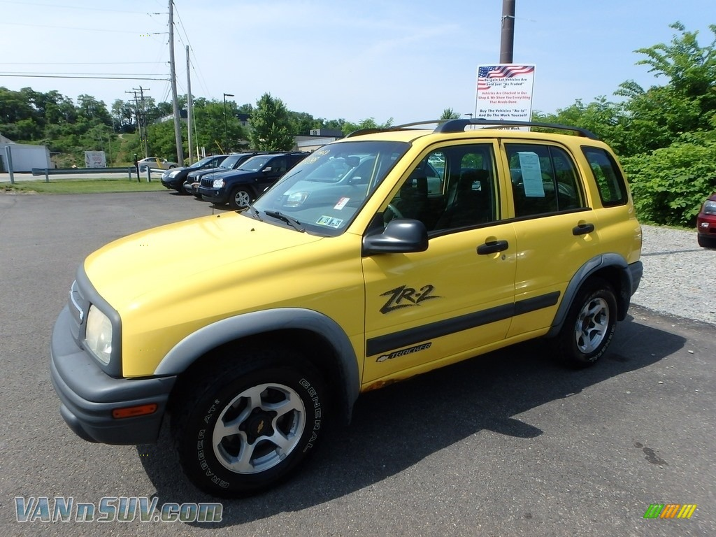 2002 Tracker ZR2 4WD Hard Top - Yellow / Medium Gray photo #1