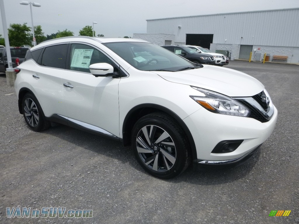 2018 Murano Platinum AWD - Pearl White / Graphite photo #1