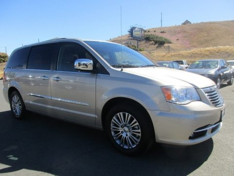 Cashmere Pearl 2014 Chrysler Town & Country Touring-L