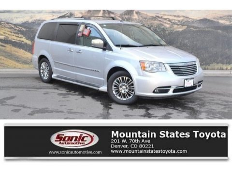 Bright Silver Metallic 2011 Chrysler Town & Country Limited