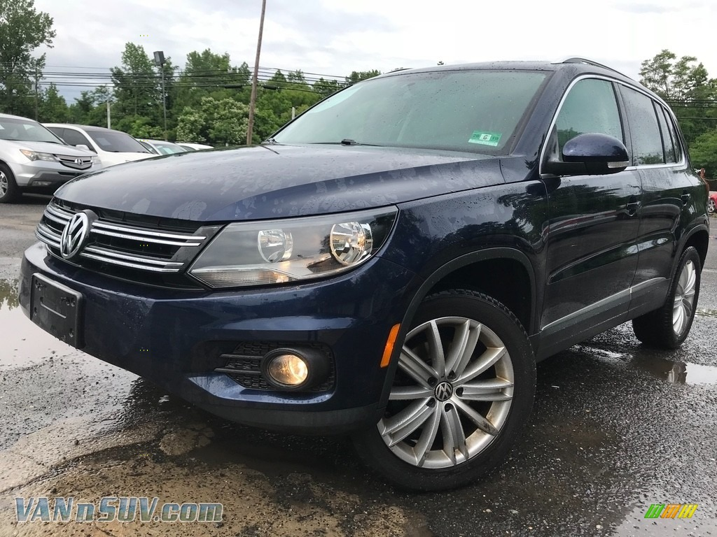 2012 Tiguan SE 4Motion - Night Blue Metallic / Beige photo #1