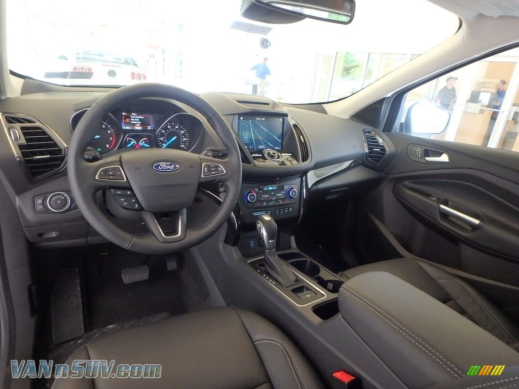 2018 Escape Titanium 4WD - White Platinum / Charcoal Black photo #8