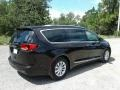 Chrysler Pacifica Touring L Dark Cordovan Pearl photo #5