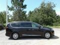 Chrysler Pacifica Touring L Dark Cordovan Pearl photo #6