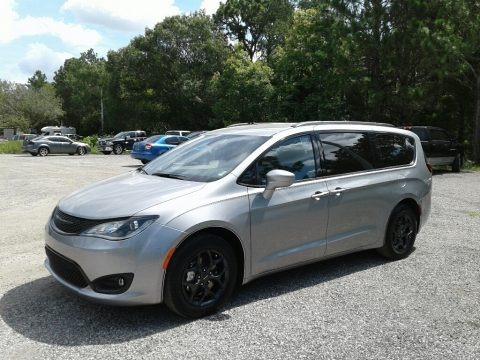 Billet Silver Metallic 2018 Chrysler Pacifica Touring L Plus