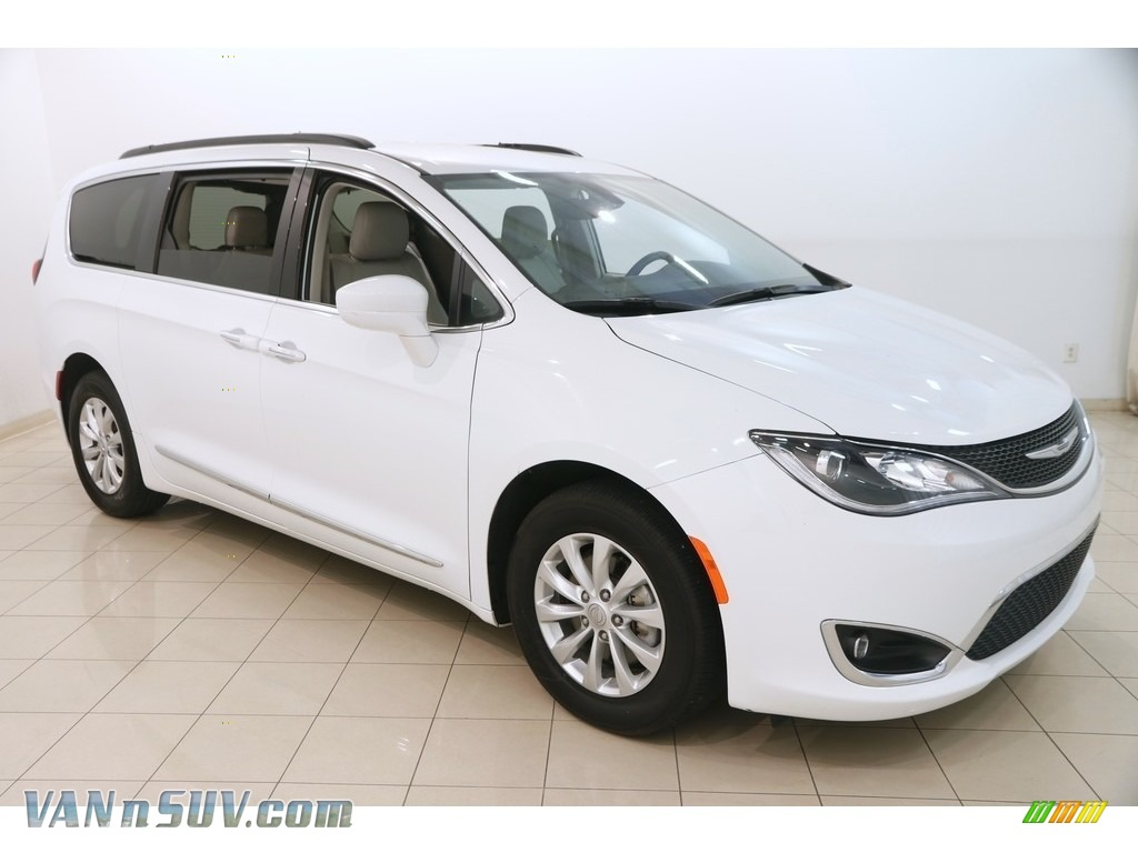 2017 Pacifica Touring L - Bright White / Cognac/Alloy/Toffee photo #1