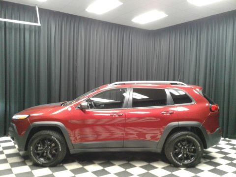Deep Cherry Red Crystal Pearl 2016 Jeep Cherokee Trailhawk 4x4
