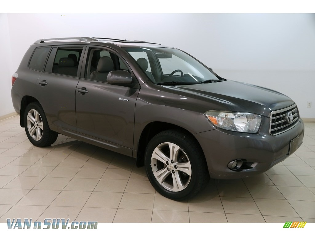 Magnetic Gray Metallic / Ash Toyota Highlander Sport 4WD