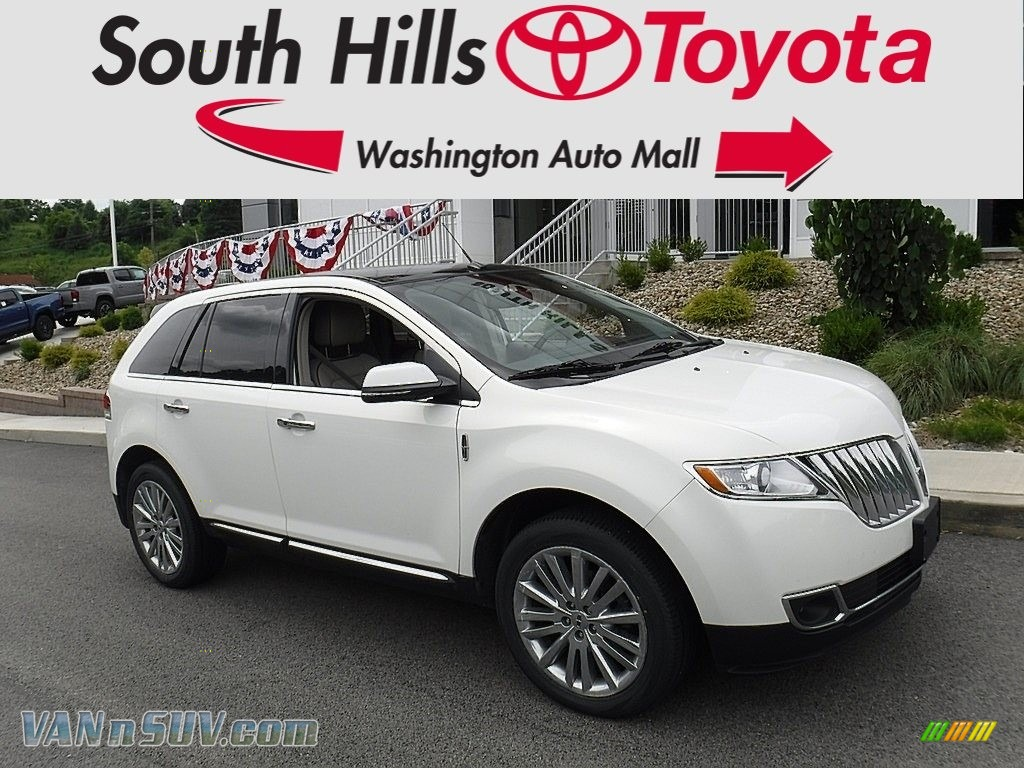 Crystal Champagne Tri-Coat / Medium Light Stone Lincoln MKX AWD