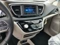 Chrysler Pacifica Touring L Brilliant Black Crystal Pearl photo #10