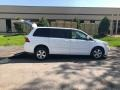 Volkswagen Routan SE Calla Lily White photo #1