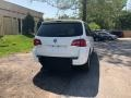 Volkswagen Routan SE Calla Lily White photo #2