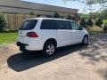 Volkswagen Routan SE Calla Lily White photo #10