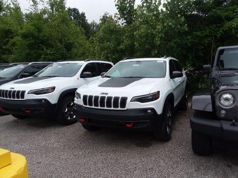 Bright White 2019 Jeep Cherokee Trailhawk 4x4