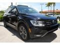 Volkswagen Tiguan SEL Deep Black Pearl photo #2