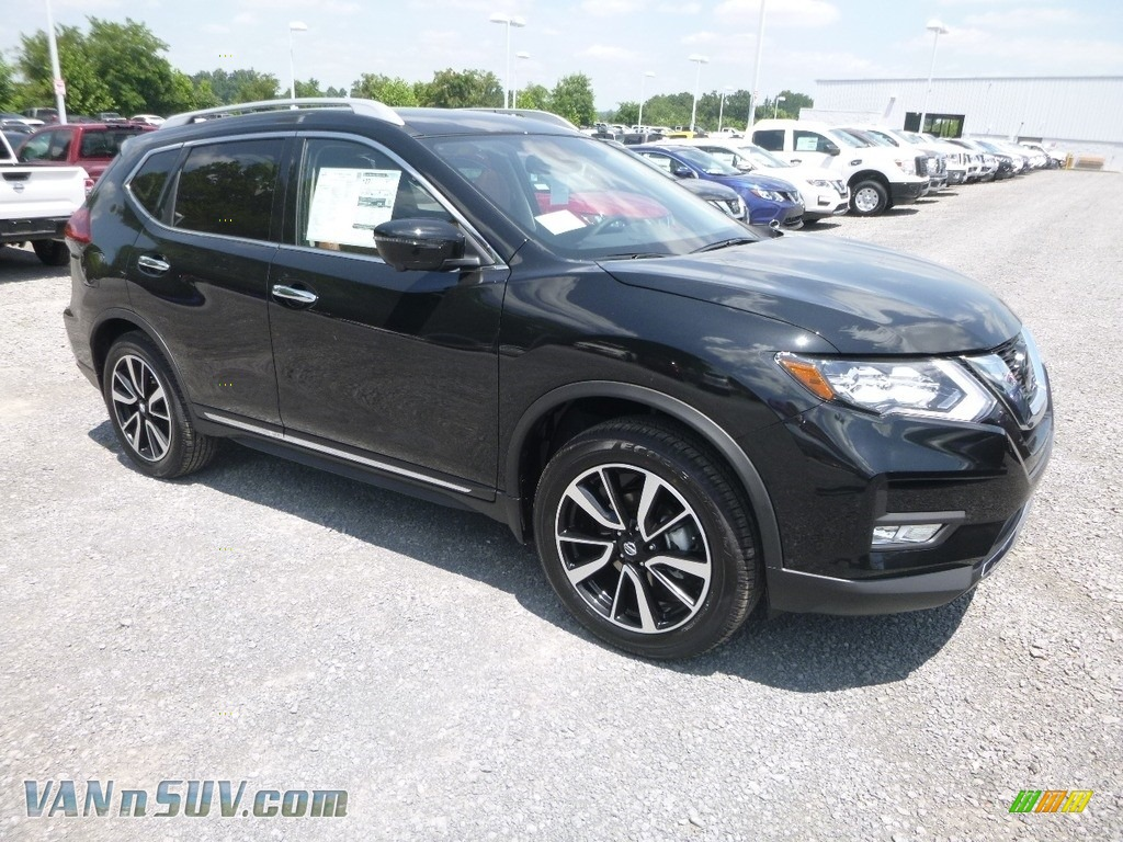2018 Rogue SL AWD - Magnetic Black / Almond photo #1