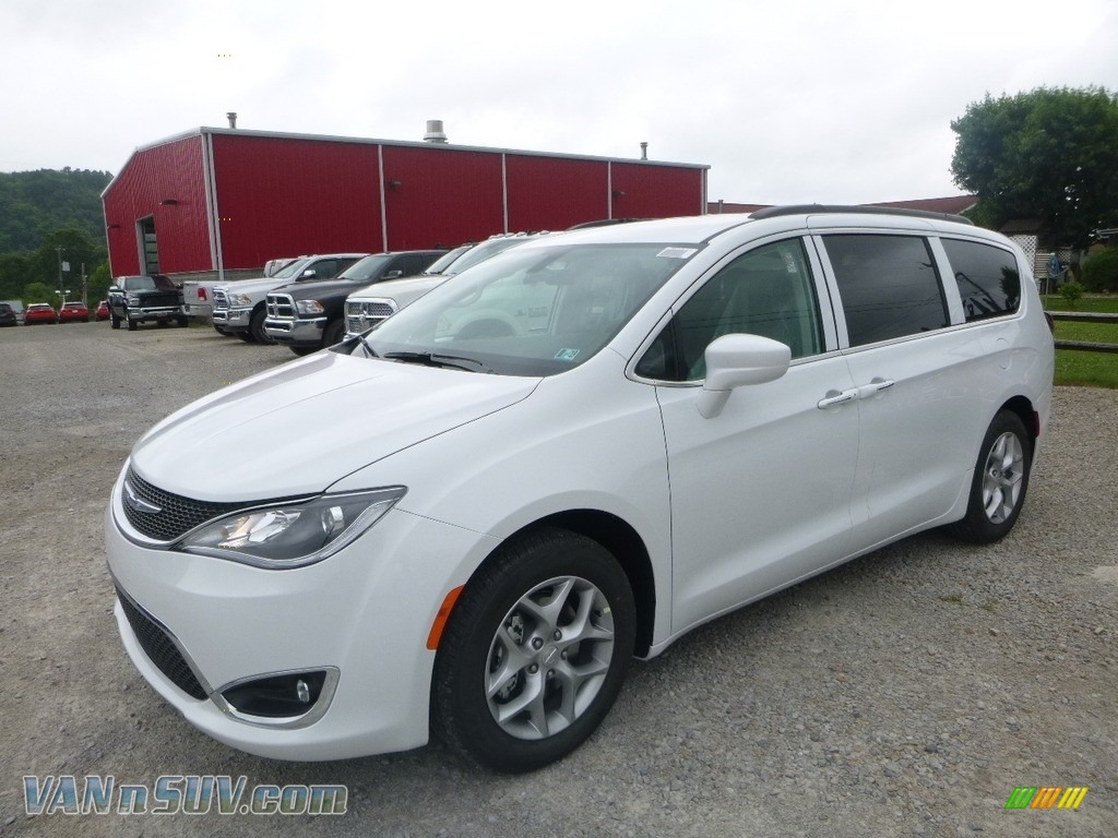 2018 Pacifica Touring Plus - Bright White / Black/Alloy photo #1