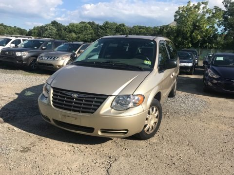 Linen Gold Metallic 2007 Chrysler Town & Country Touring
