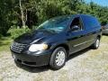 Chrysler Town & Country Touring Brilliant Black photo #1