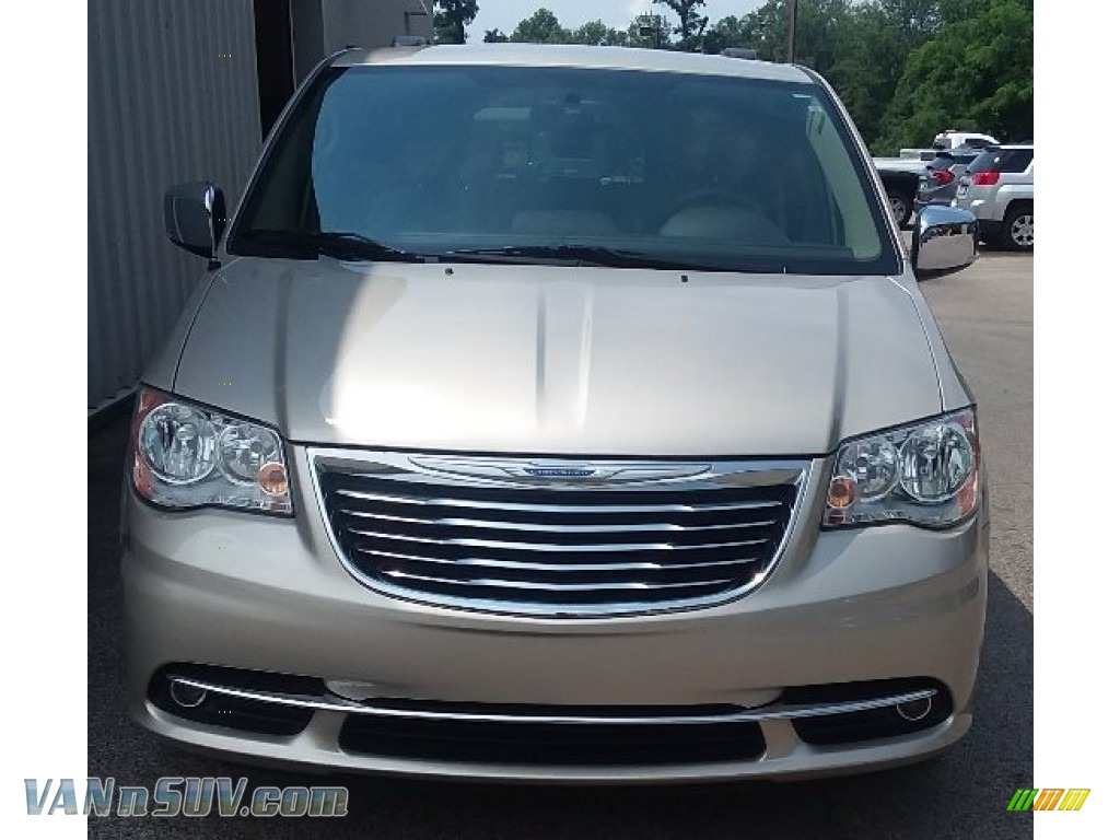 2015 Town & Country Touring-L - Cashmere/Sandstone Pearl / Dark Frost Beige/Medium Frost Beige photo #1