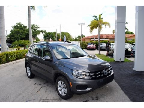 Pepper Gray Metallic 2016 Volkswagen Tiguan S