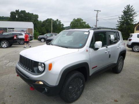 Glacier Metallic 2018 Jeep Renegade Trailhawk 4x4