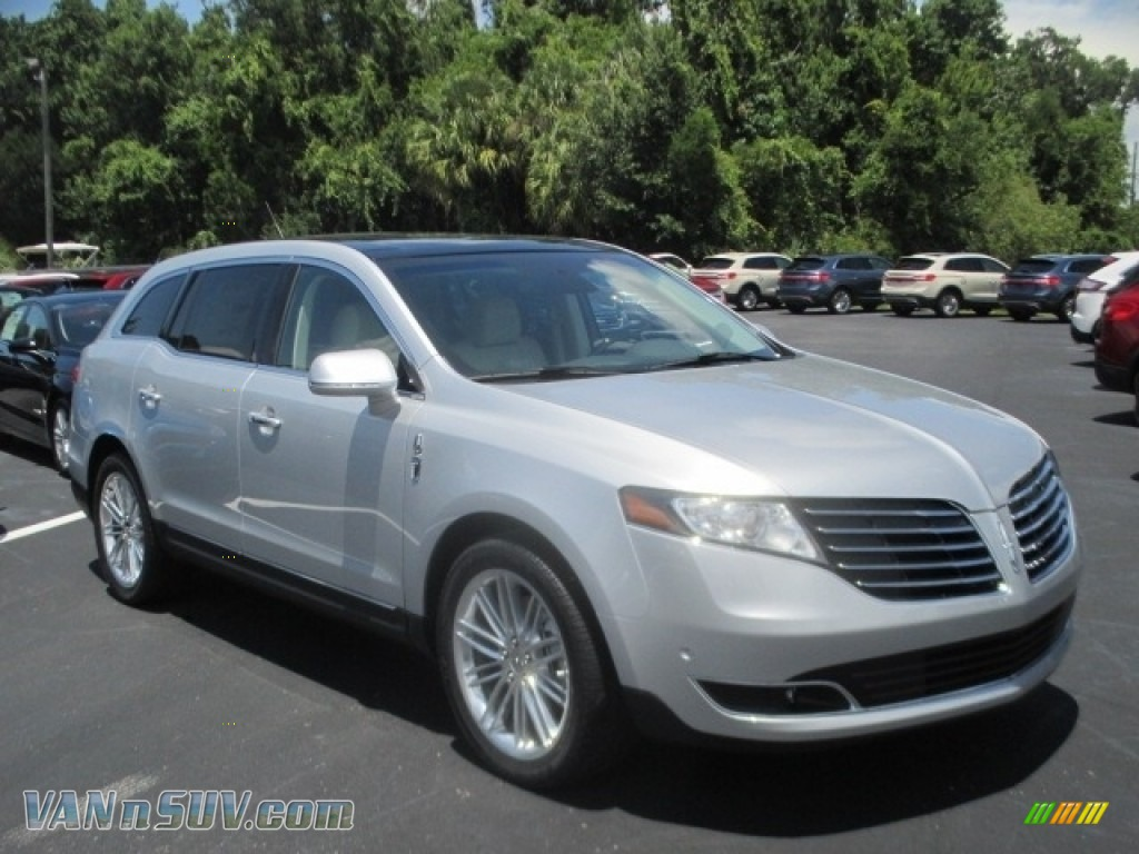Ingot Silver / Light Dune Lincoln MKT AWD