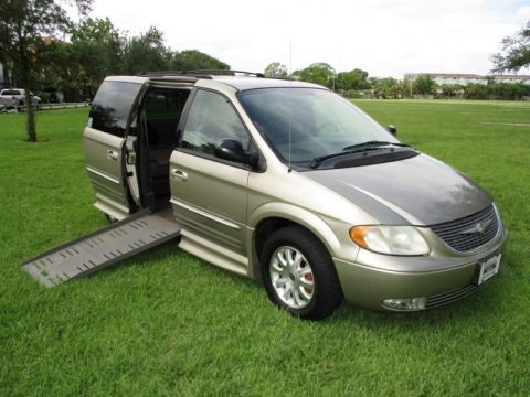 Light Almond Pearl 2003 Chrysler Town & Country LXi