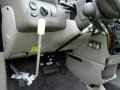Chrysler Town & Country LXi Light Almond Pearl photo #9