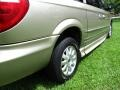 Chrysler Town & Country LXi Light Almond Pearl photo #26
