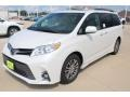 Toyota Sienna XLE Blizzard Pearl White photo #3