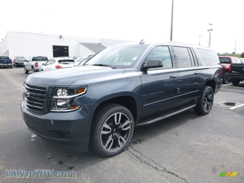 2019 Suburban LT 4WD - Shadow Gray Metallic / Jet Black photo #1