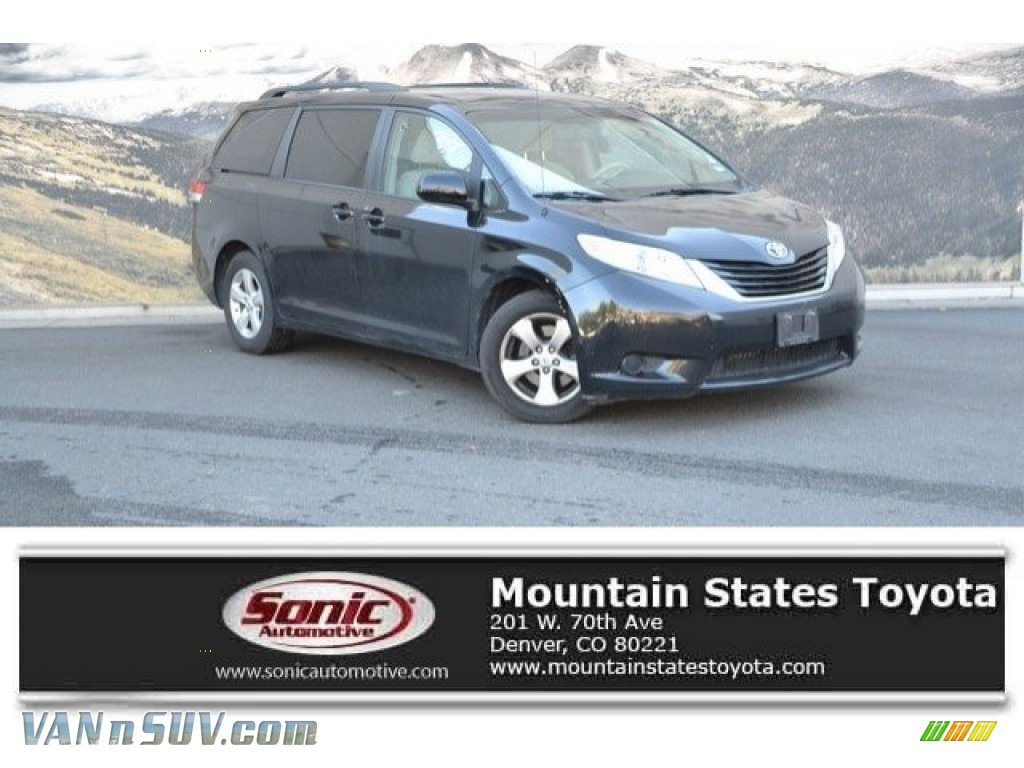 2014 Sienna LE - Black / Light Gray photo #1