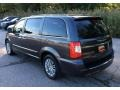 Chrysler Town & Country Touring-L Granite Crystal Metallic photo #4