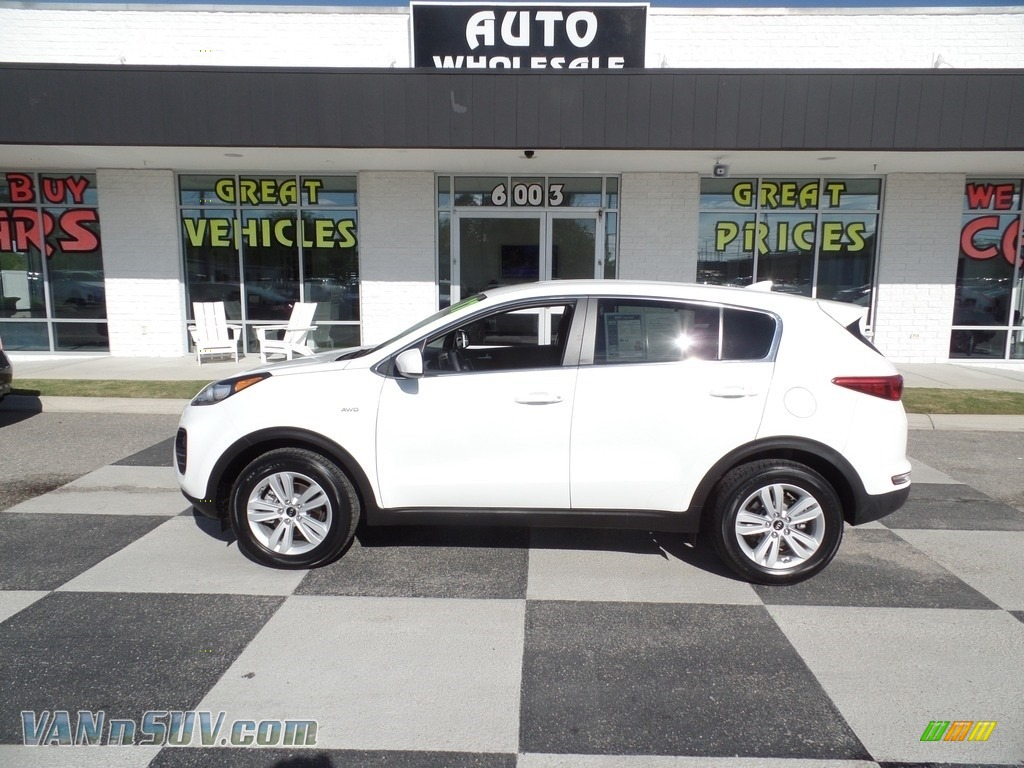 2017 Sportage LX AWD - Clear White / Black photo #1