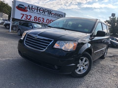 Brilliant Black Crystal Pearl 2009 Chrysler Town & Country Touring