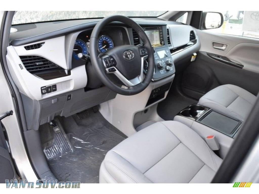 2019 Sienna XLE - Celestial Silver Metallic / Ash photo #5