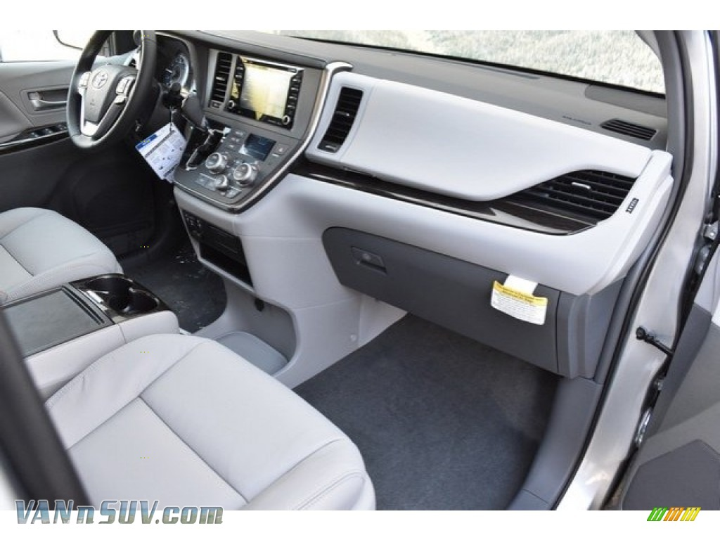 2019 Sienna XLE - Celestial Silver Metallic / Ash photo #11