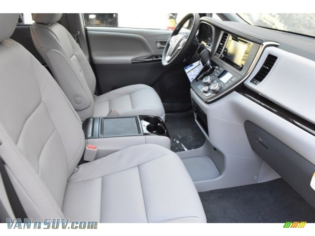 2019 Sienna XLE - Celestial Silver Metallic / Ash photo #12