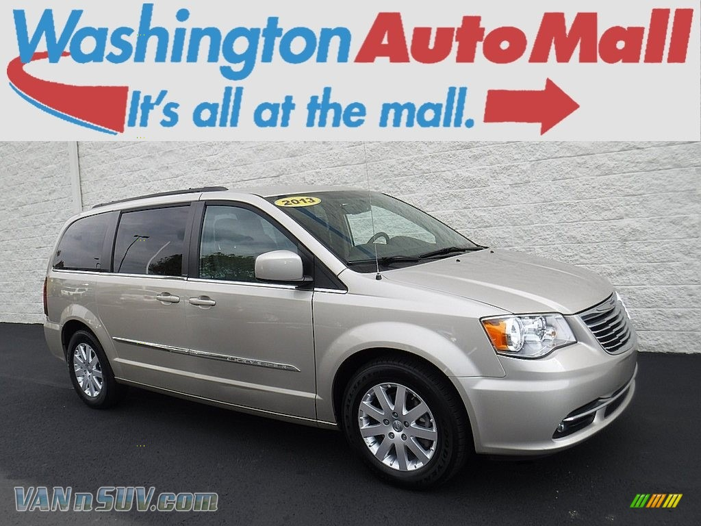 Cashmere Pearl / Dark Frost Beige/Medium Frost Beige Chrysler Town & Country Touring