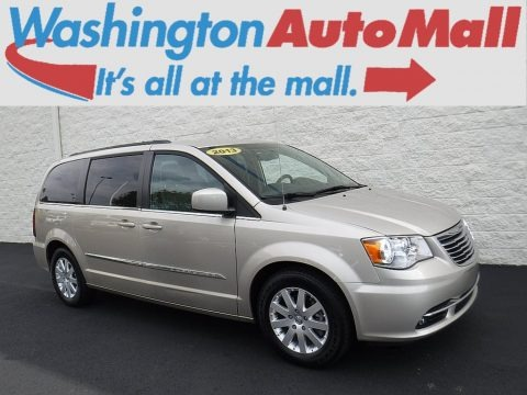 Cashmere Pearl 2013 Chrysler Town & Country Touring