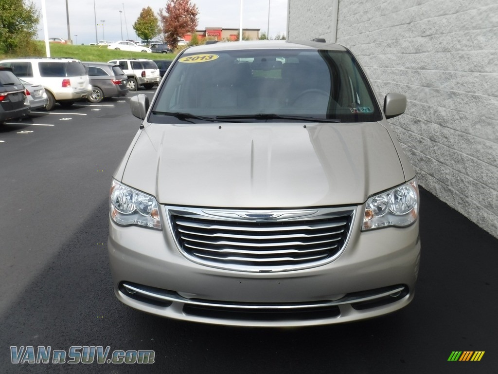 2013 Town & Country Touring - Cashmere Pearl / Dark Frost Beige/Medium Frost Beige photo #5