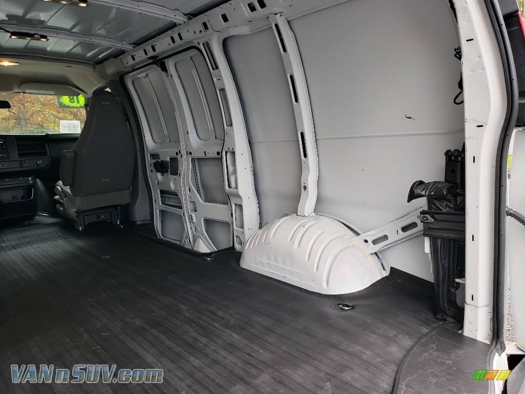 2018 Express 2500 Cargo WT - Summit White / Medium Pewter photo #18
