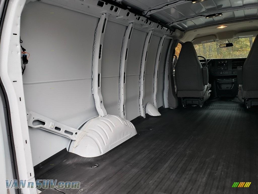 2018 Express 2500 Cargo WT - Summit White / Medium Pewter photo #19